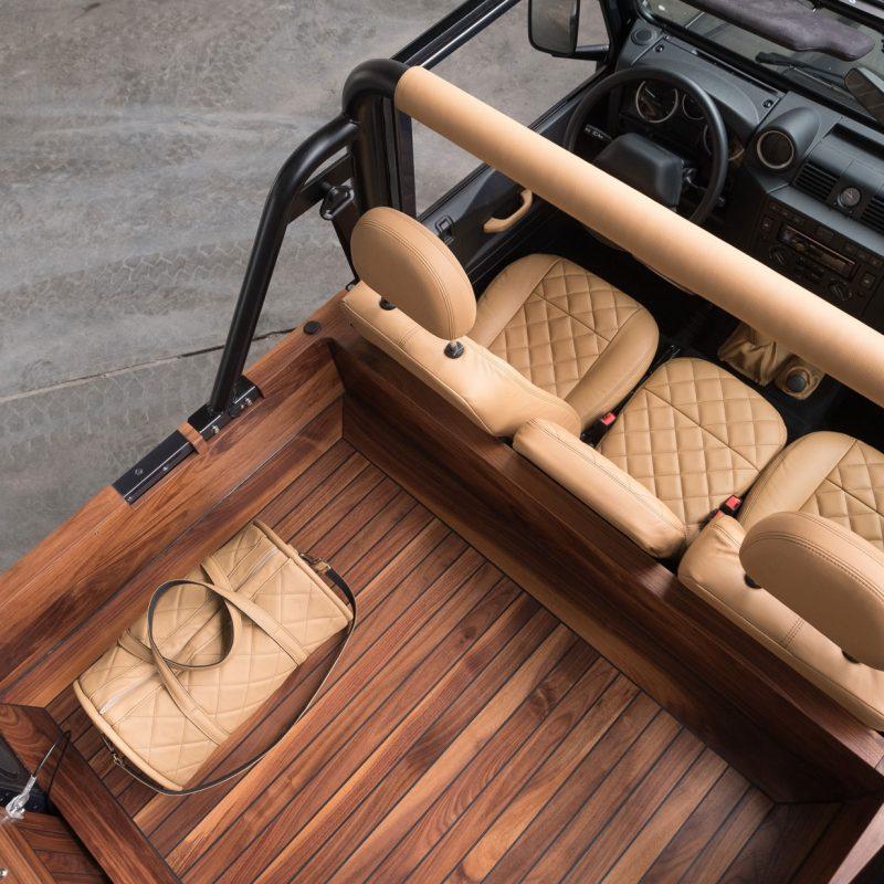 Car-penter Land Rover Defender 90 cabrio bekleding autostoelen en laadruimte